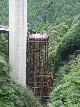第二東名高速道路 富士川トンネル桟橋撤去工事