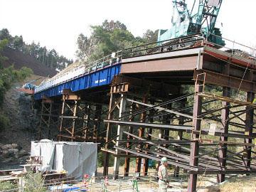 新名神高速道路六石山トンネル工事